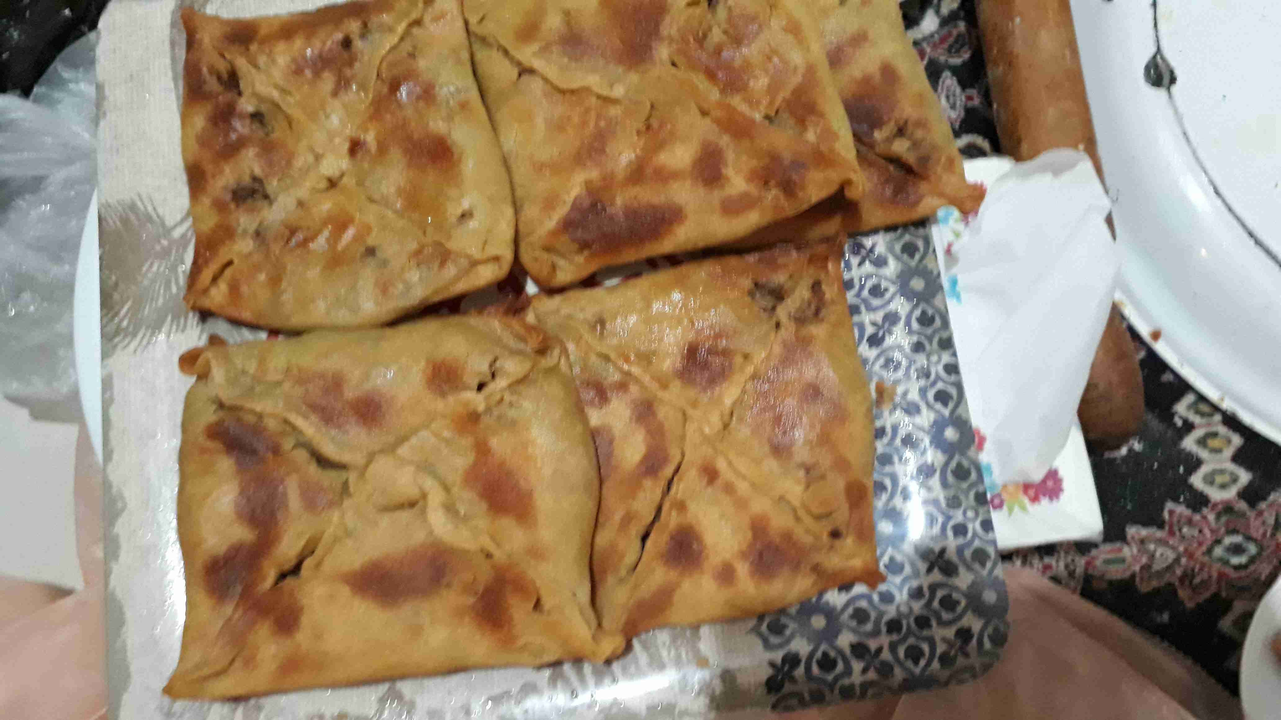 مطبق فلسطيني باللحم المفروم وزيت الزيتون زاكي Recipe Food Arabic Food Main Dishes