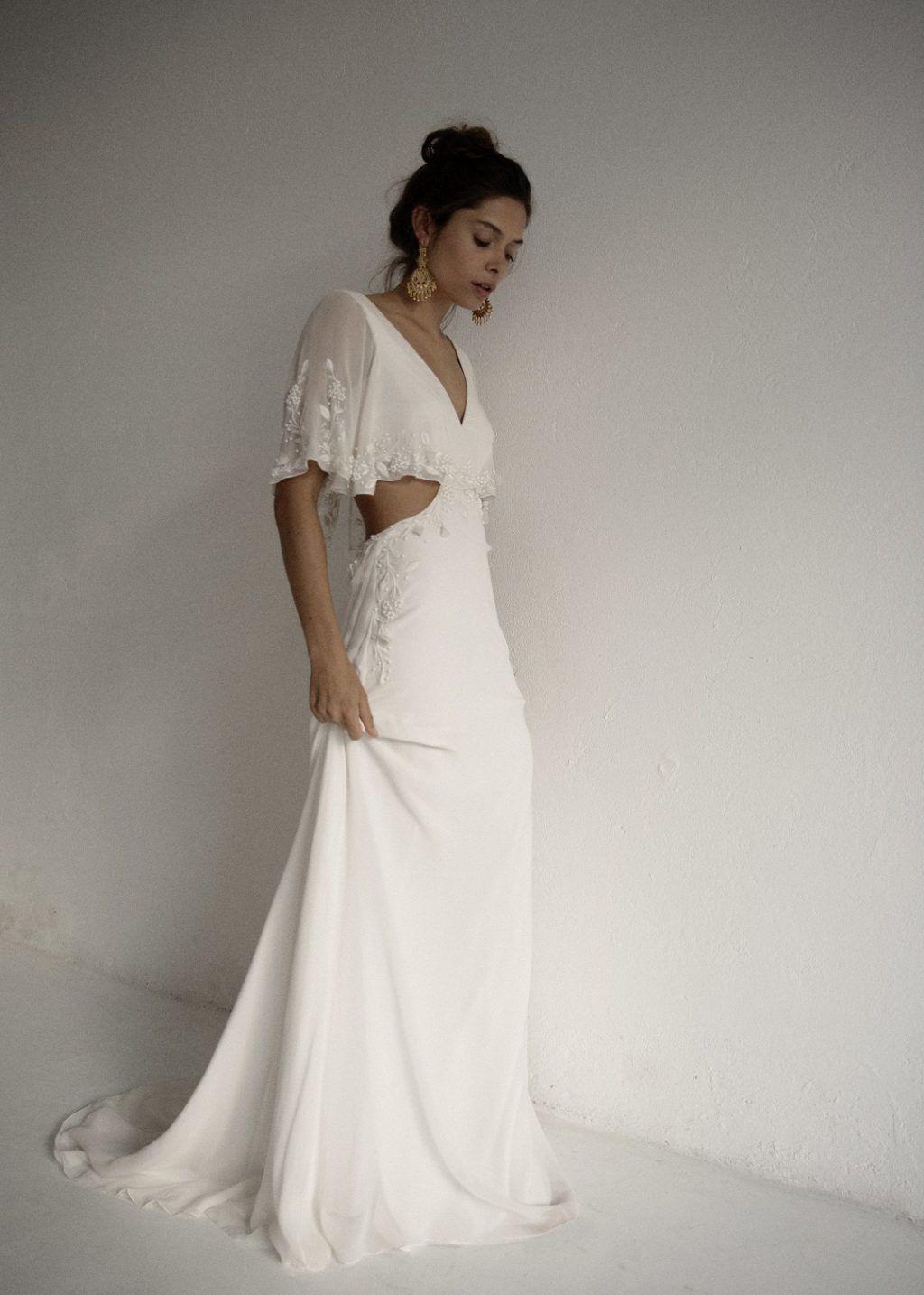 US$ 599.00 Embroidered v-neck a-line long train bridal
