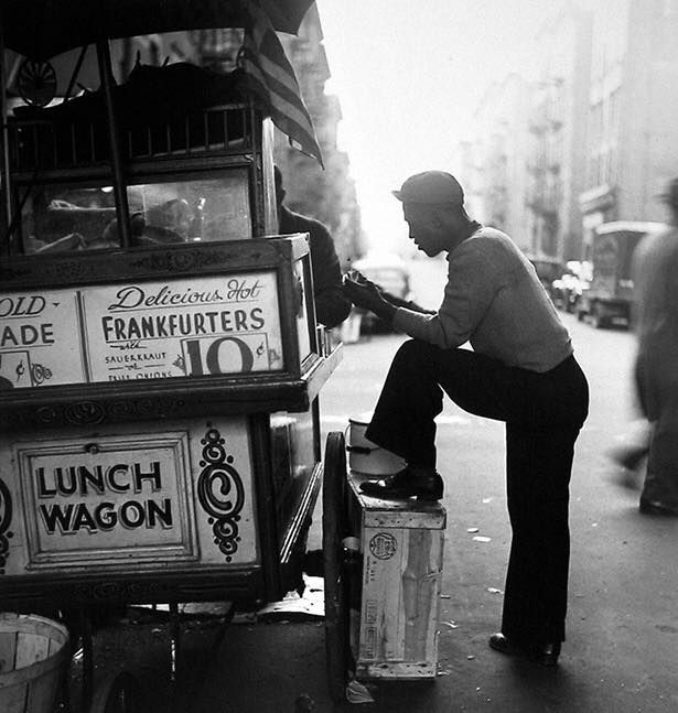 Ted Evans Photography: Hot Dog Vendor In NYC