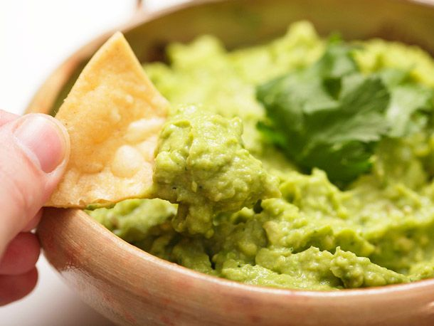 How to make the best guacamole ever #recipe #superbowl