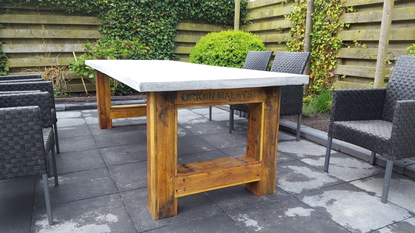 DIY Gardentable Made Of Reclaimed Wood (old Pallets) And A Tabletop Of Lightweight  Concrete. Made By Vervenhout.nl