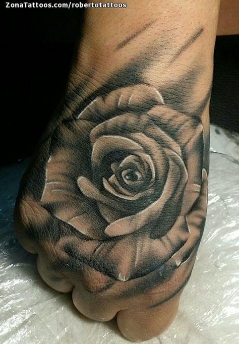 Tatuaje De Rosas Mano Flores Tattos Tattoos Flower Tattoos Y