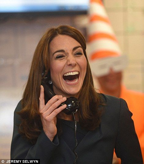 Is Kate turning into her MOTHER? Duchess looks like Carole after trim