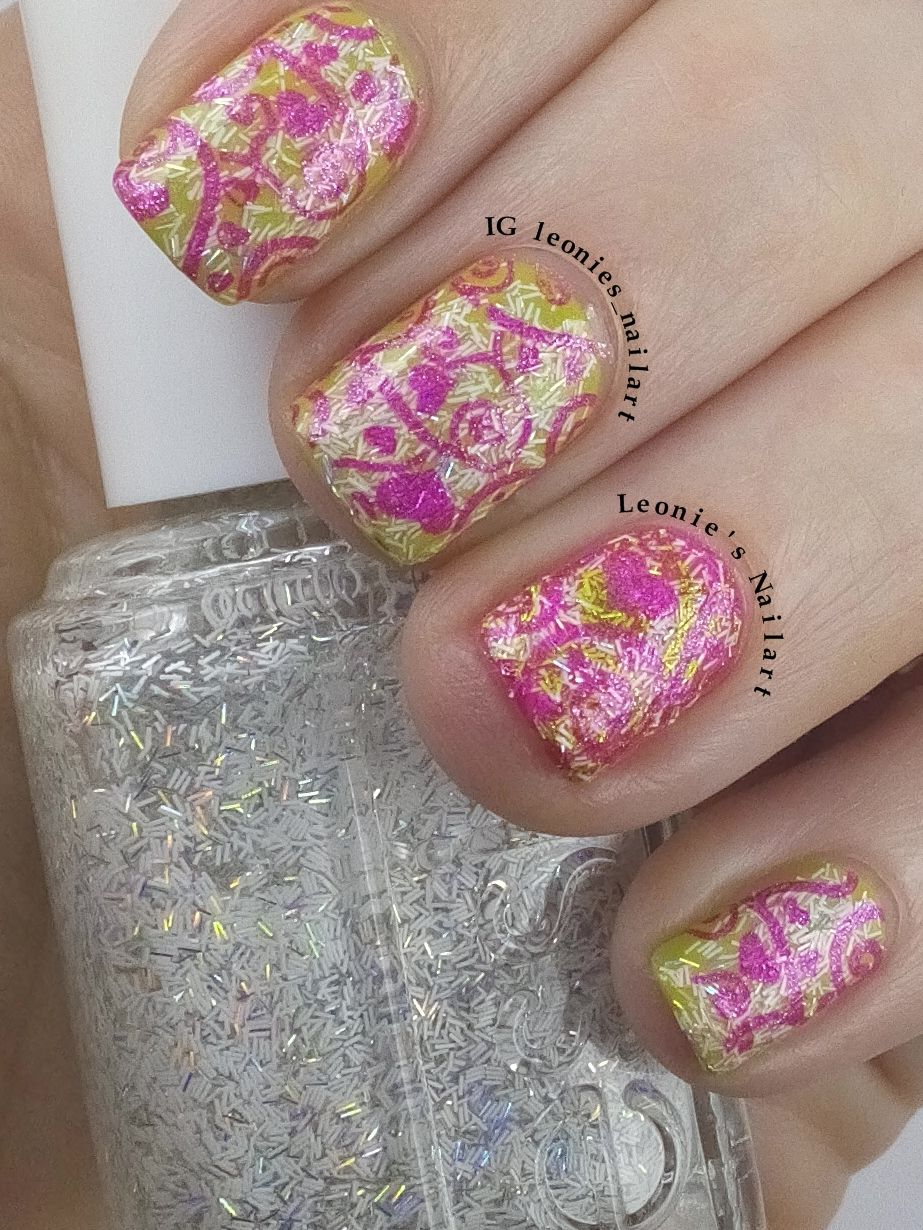 Green and Pink - Leonie's Nailart