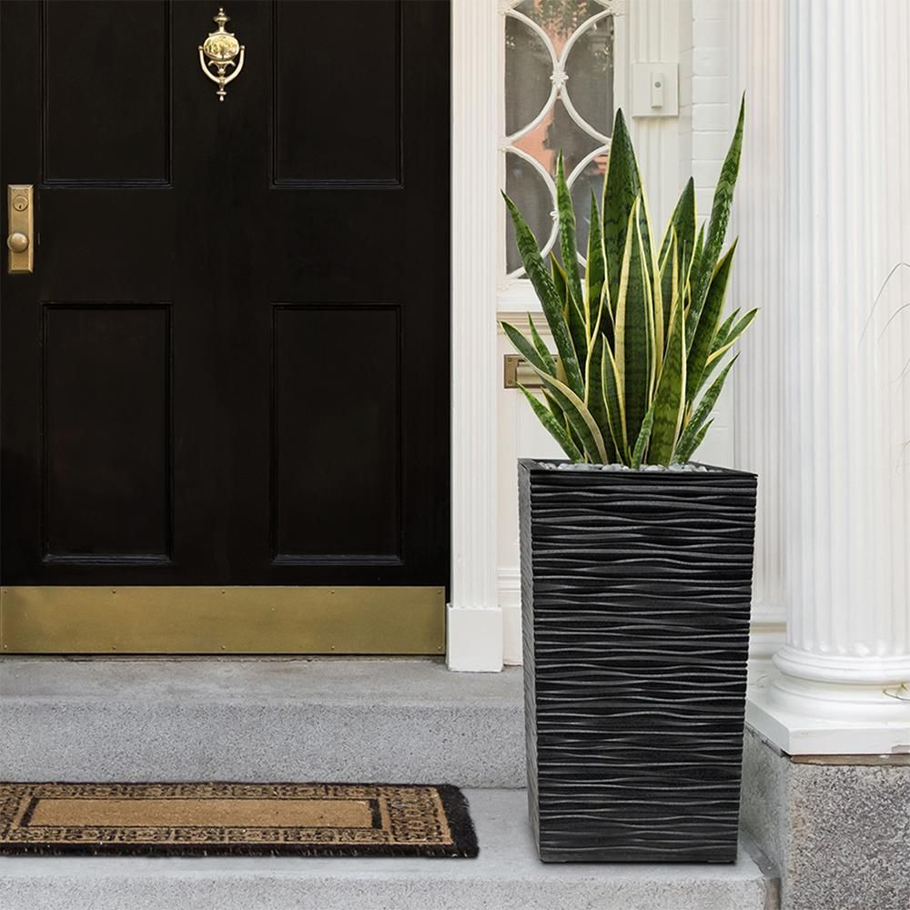 Pin By Darlais Mcdaniel Oakley Josiah On Tropical Landscaping Ideas In 2020 Outdoor Planters Front Door Self Watering Planter Front Porch Plants
