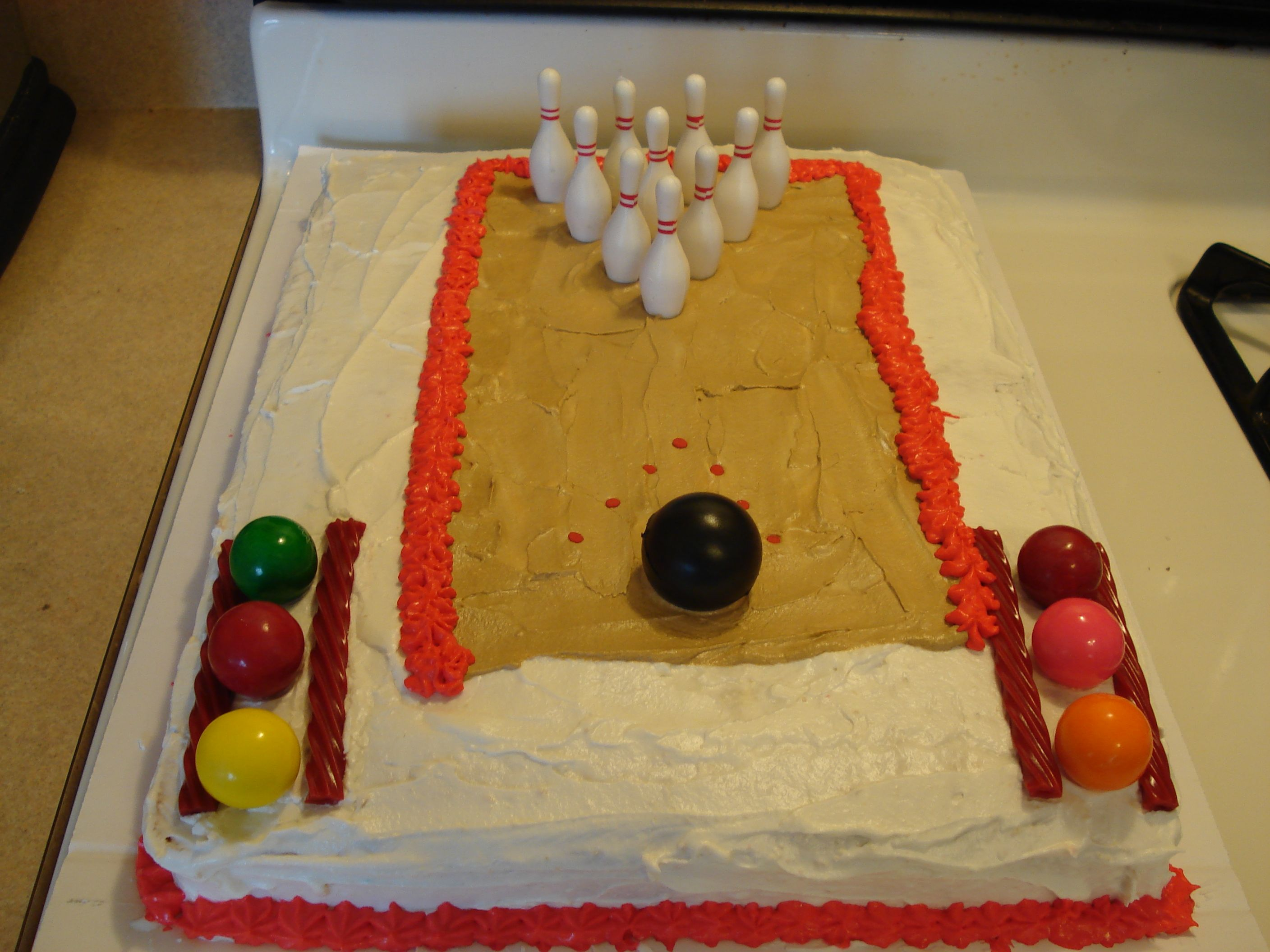 Bowling lane cake by me (Stefanie Belote)