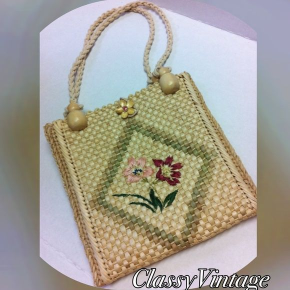 f1fa3cf0638ca Adorable straw bag 🌹 New Listing🌹