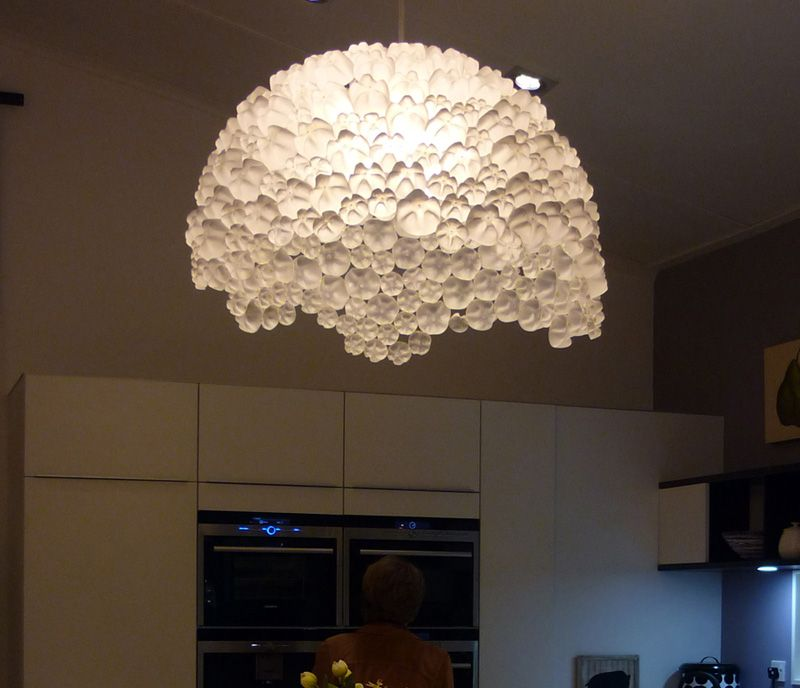 10 imperdibili lampadari sferici fai da te riciclo pet for Lampadari fai da te