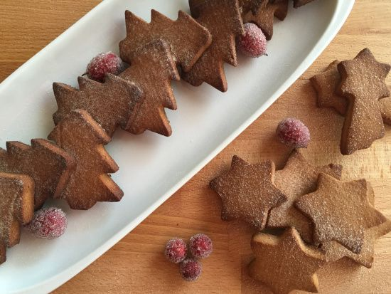 Check out this delicious Guiltfree Ginger Bread - the perfect baked gift! Gluten Free, Dairy Free, Vegan & Paleo! www.thewonkyspatula,.com