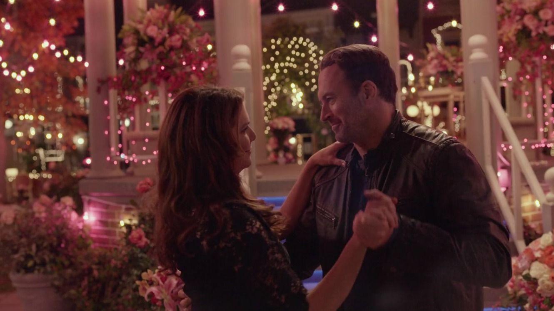 Luke & Lorelai FINALLY tied the knot! This scene was so