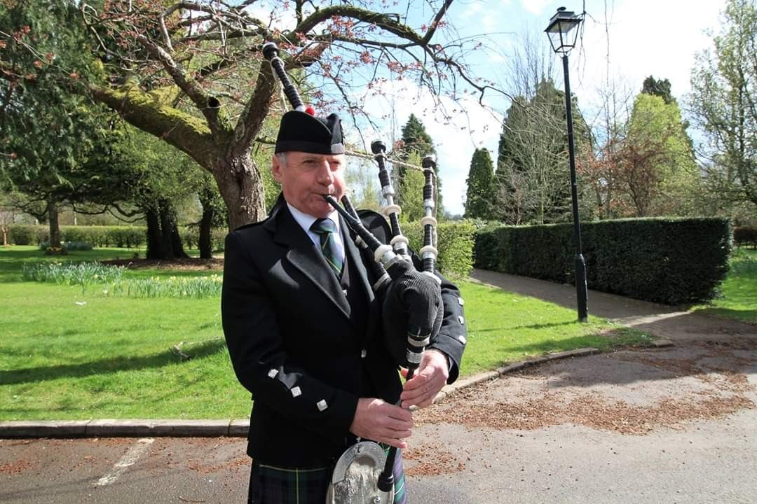Bagpiping today at Thornhill Crematorium for the Funeral