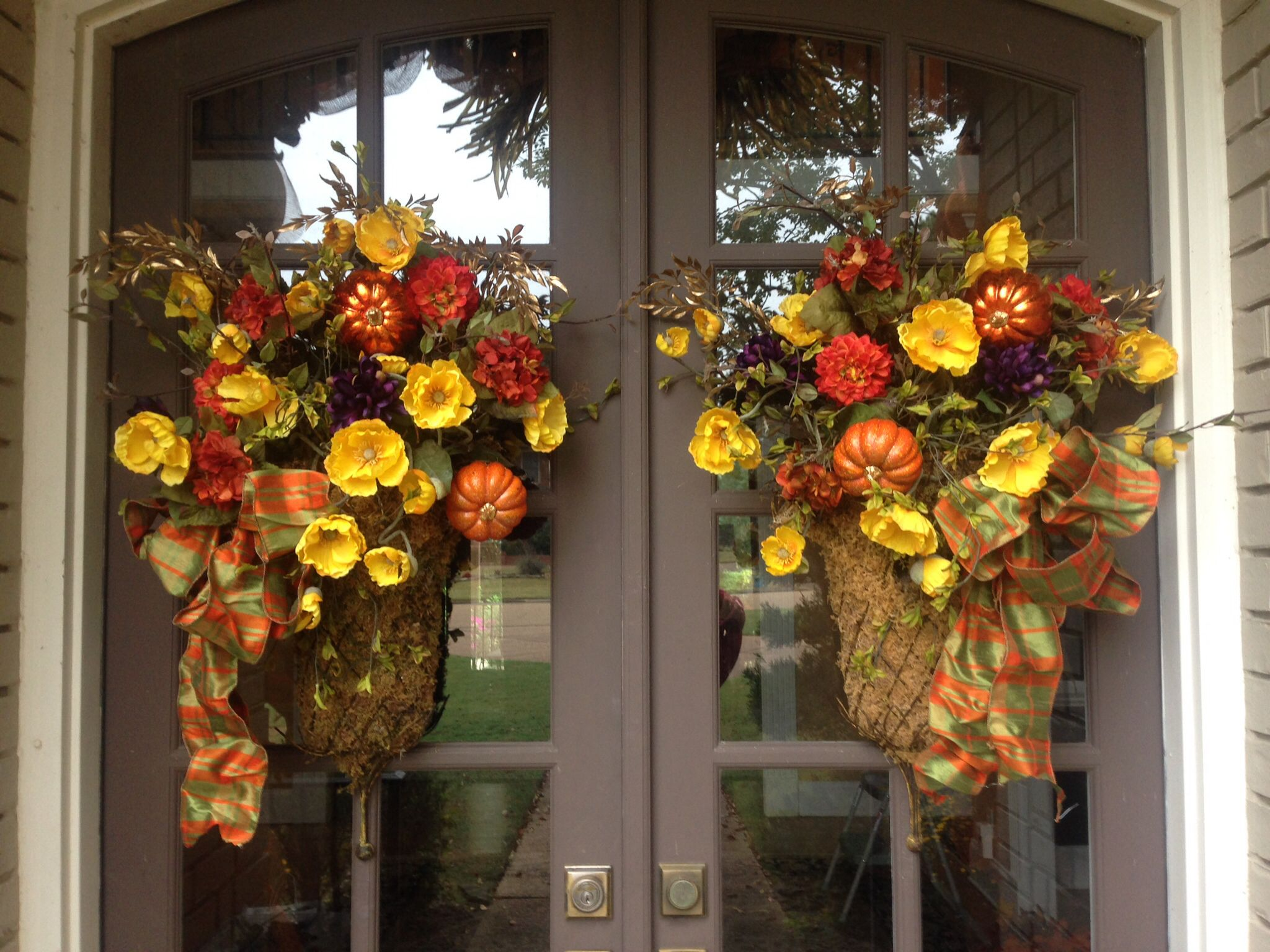 Thanksgiving front door decorations - Thanksgiving Fall Front Door Moss Baskets With Flowers