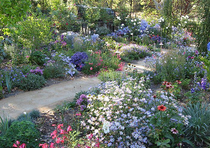 Cottage Garden Eine Der Beliebtesten Gartenformen Garten Bauerngarten Cottage Garten