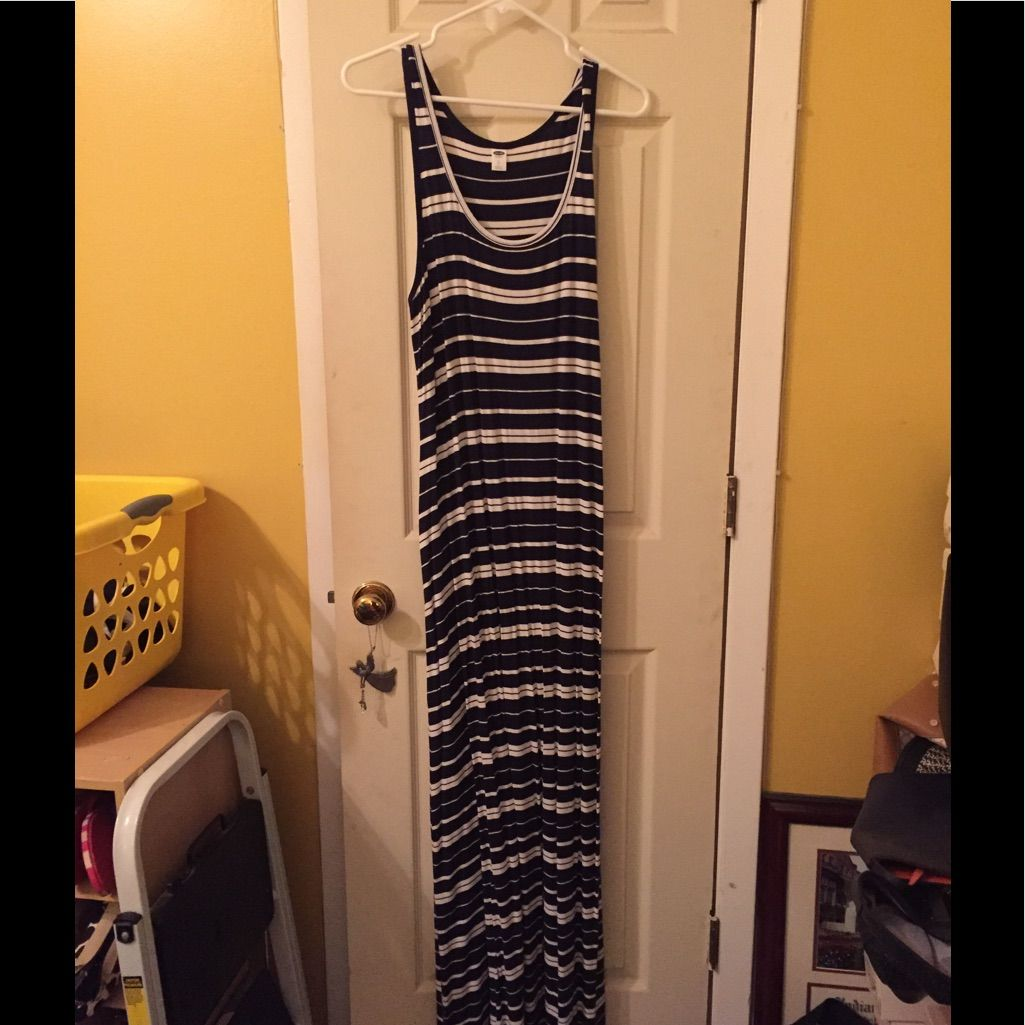 Old Navy White And Navy Striped Maxi Dress Size L