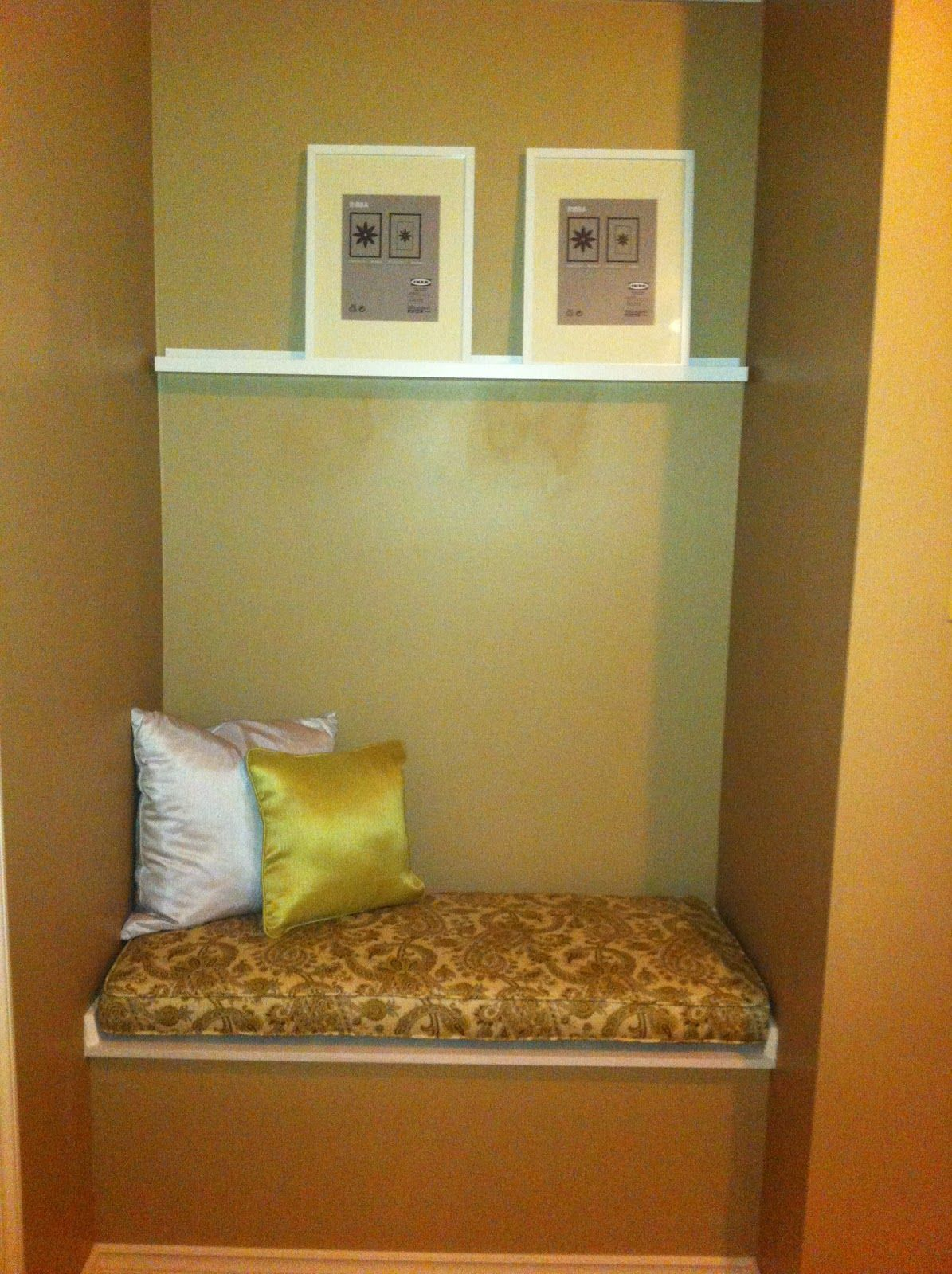 maybe a seat with storage? | Small spaces | Pinterest | Alcove ...