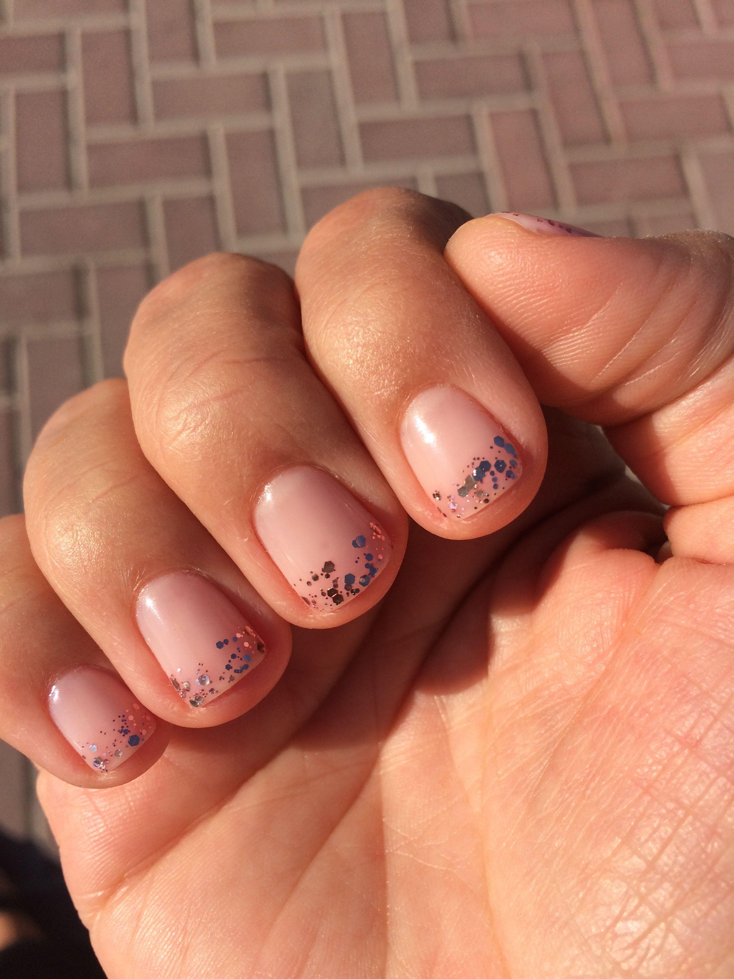 essie #mademoiselle rose gold #glitter #short #nails #festive | hair ...
