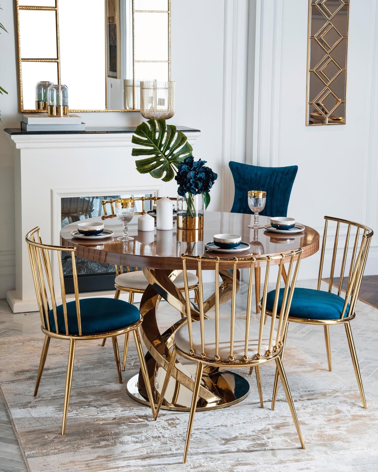 إن طاولة الطعام الخاصة بك ليست فقط مكان ا للاحتفال ولكنها مناسبة للحظاتك مع العائلة والأصدقاء تناول الطعام بأناقة مع تصاميمنا الفريدة من طاولات وكراسي الط