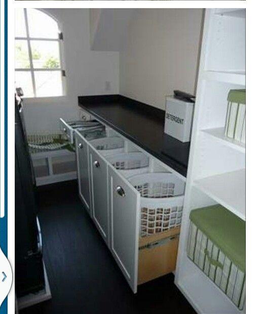 basket for the dirty linen tiny homes pinterest buanderie salle et salle de bain. Black Bedroom Furniture Sets. Home Design Ideas