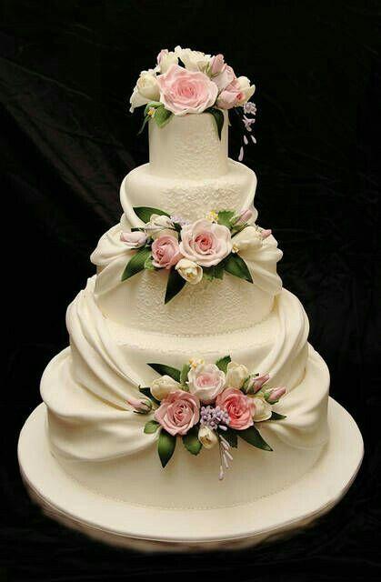 design pictures wedding cake The Chic Technique: https://tr.pinterest.com/esraerkacan/  Cake