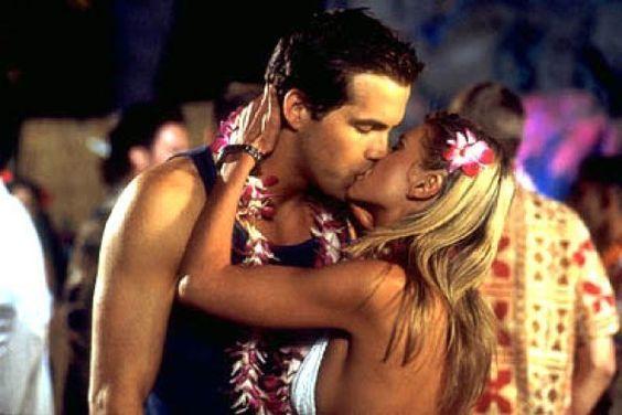 Tara reid kiss