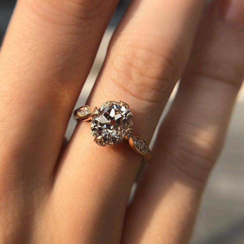 24 Engagement Rings For Girls Who Love Classic - Oval solitaire engagement ring , single diamond setting #engagementring #diamondring #engagementring #engaged