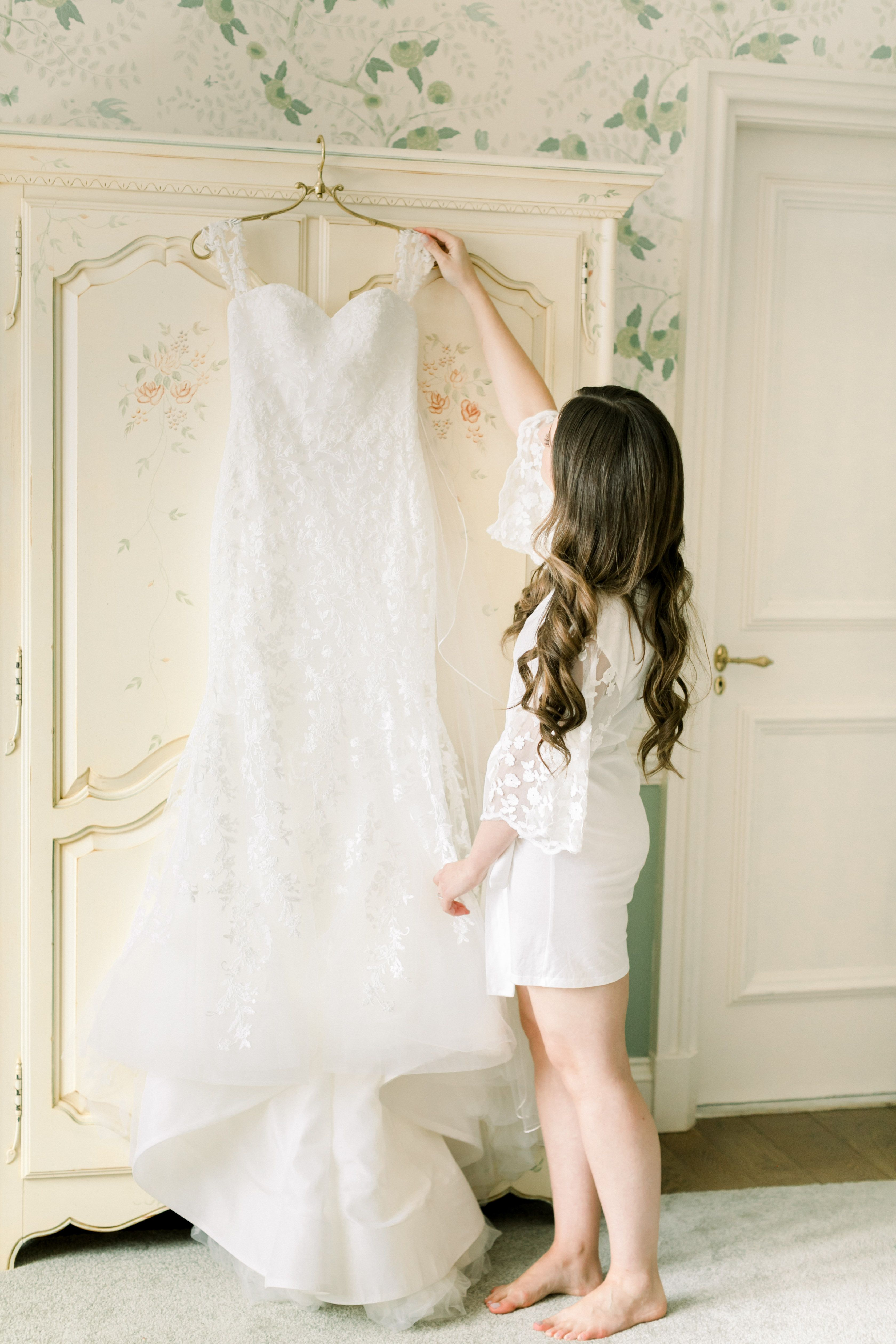 Wedding Gown Preservation Storing Tips By Designer Kelly Faetanini In 2020 Wedding Gown Preservation Gown Preservation Wedding Dresses