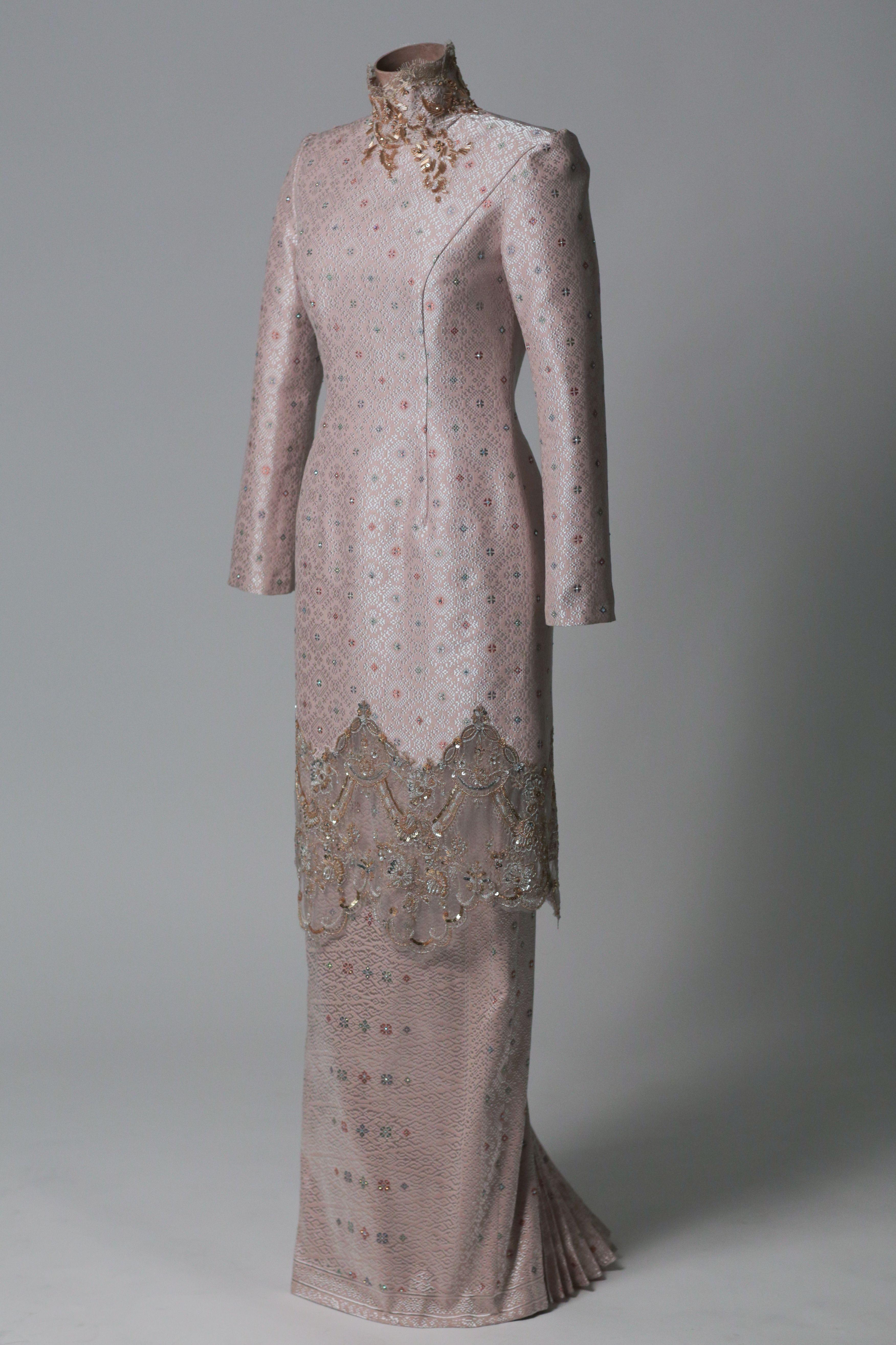 Pin by Sara Amelia on Wedding Outfits  Nikah dress, Dress brokat