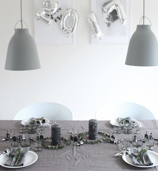 HAPPY NEW YEAR 🍾  #godtnytår #newyear #borddækning #tablesetting #lightyears #nordicliving #nordic #living #nordichome