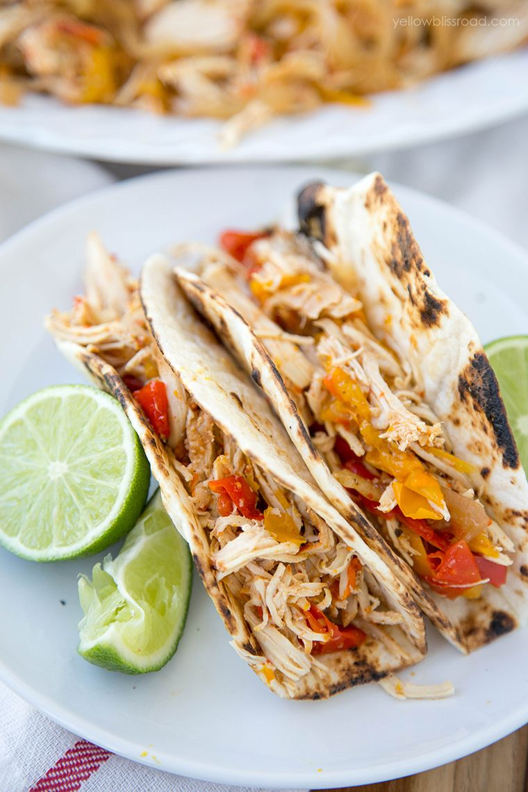 Slow cooker chicken fajitas recipe mexican dinner recipes slow cooker chicken fajita recipe a delicious mexican dinner recipe made easily in your crockpot forumfinder Images