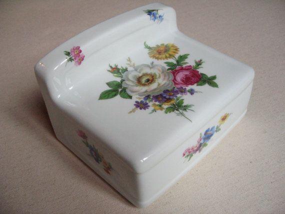 Toilet toilet porcelain from Limoges pattern flowers   ceramic paper - poignee de porte porcelaine ancienne