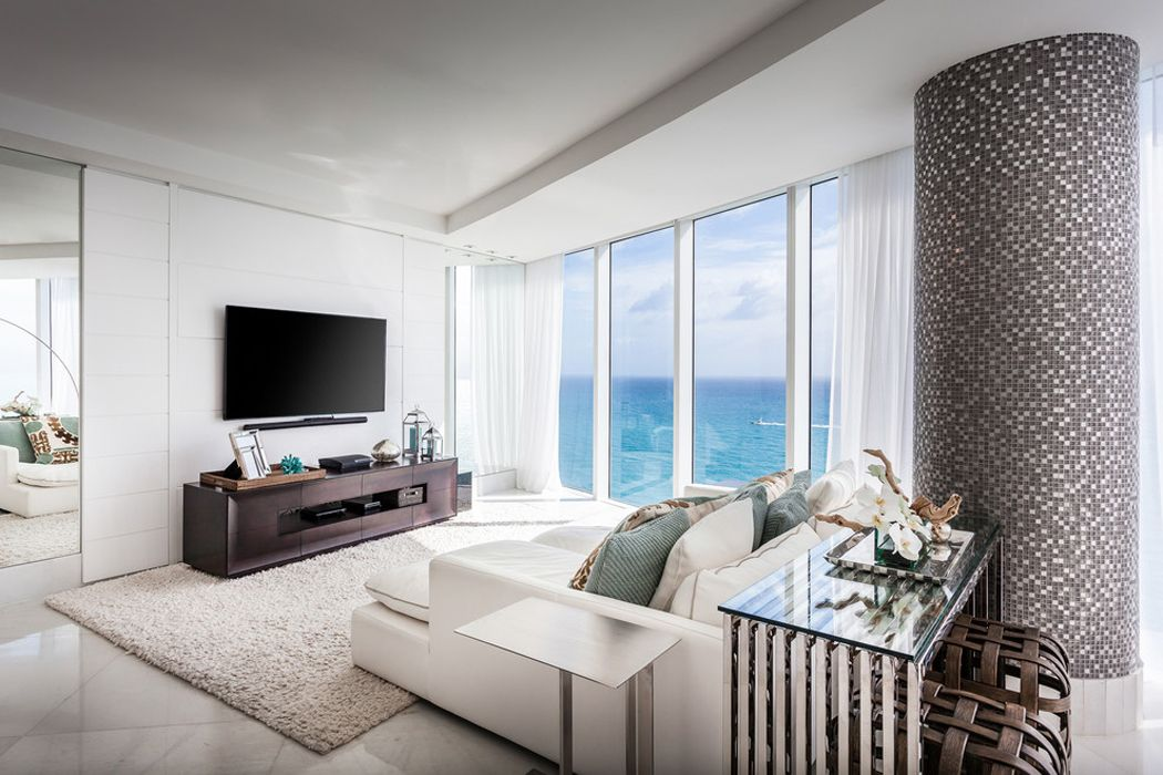 Superbe résidence de vacances au panorama imprenable au dessus de locéan cet appartement familial offre à ses propriétaires un cadre élégant et unique