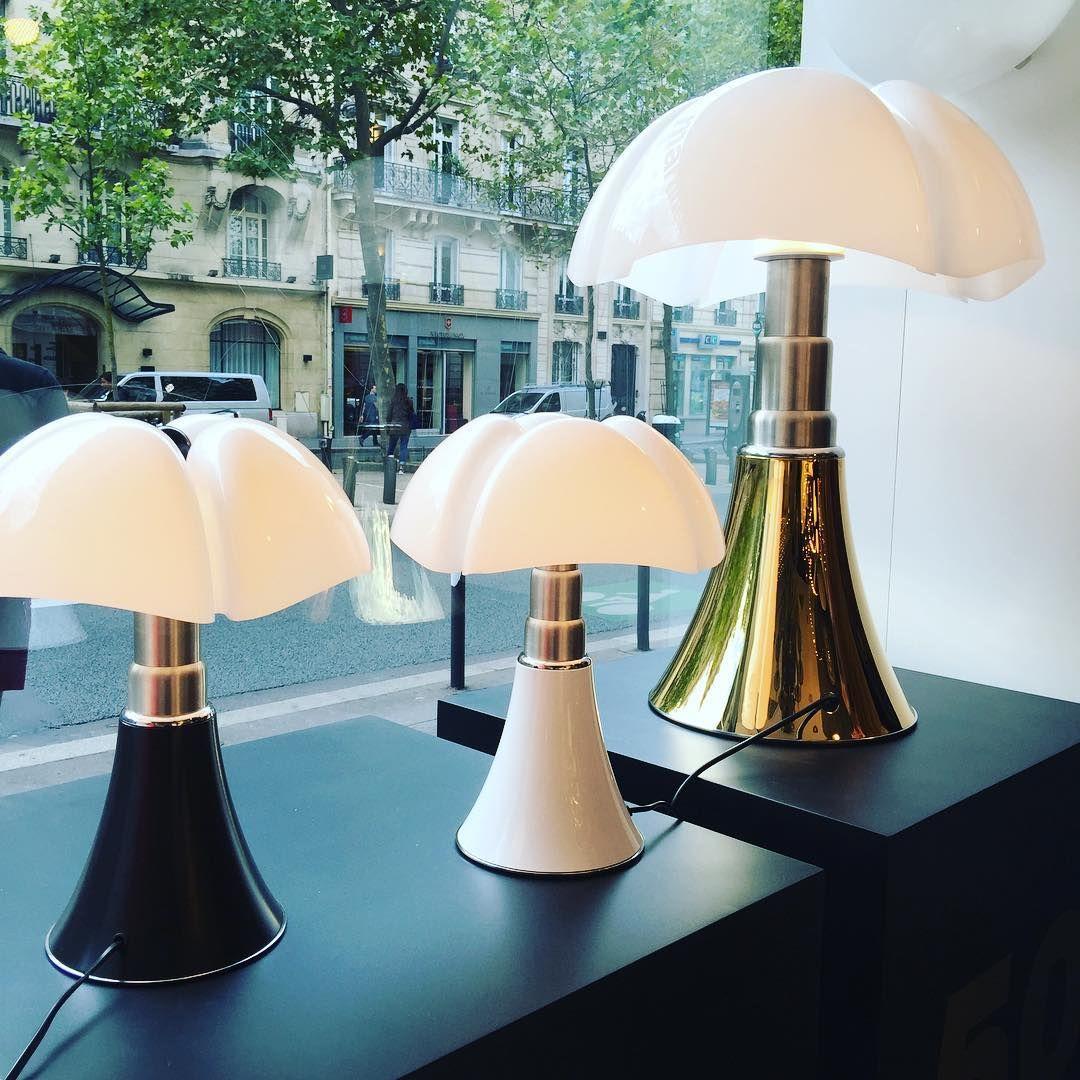 Dans Les Coulisses De La Redac On Instagram Lampe Pipistrello Les 50 Ans Version Doree Pour L Occasion Light Lampe Pipistrello Design Instadeco Press