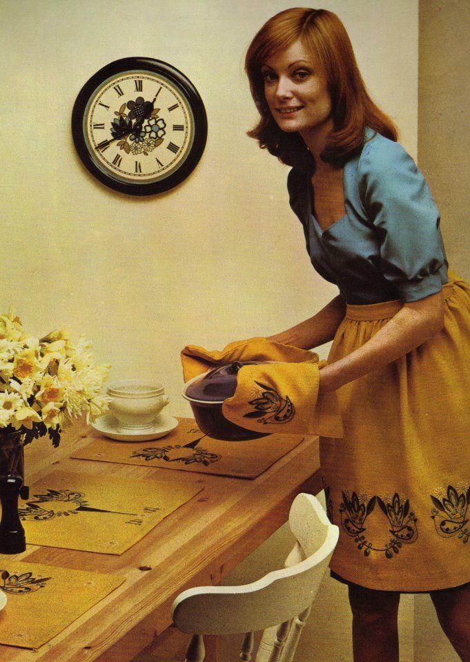 70s Housewife Mom Retro American Housewife Vintage