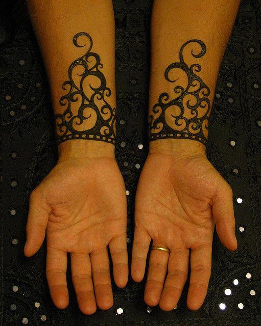 Wrist Cuff Lace Mandala Mehndi: Wrists #2