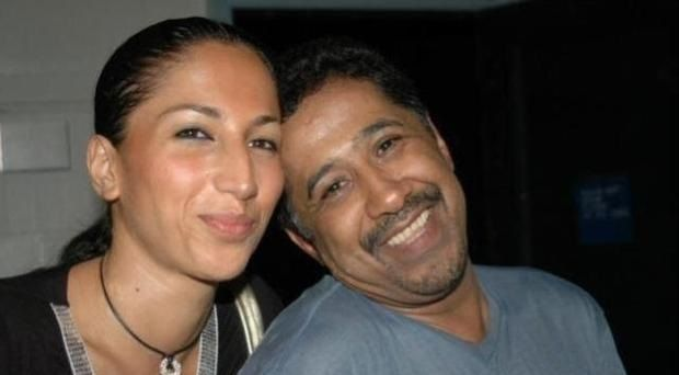 شاهد الشاب خالد وزوجته سميرة وراي الجمهور في جمالها
