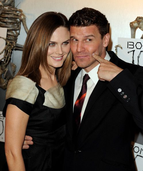 Bones cast dating