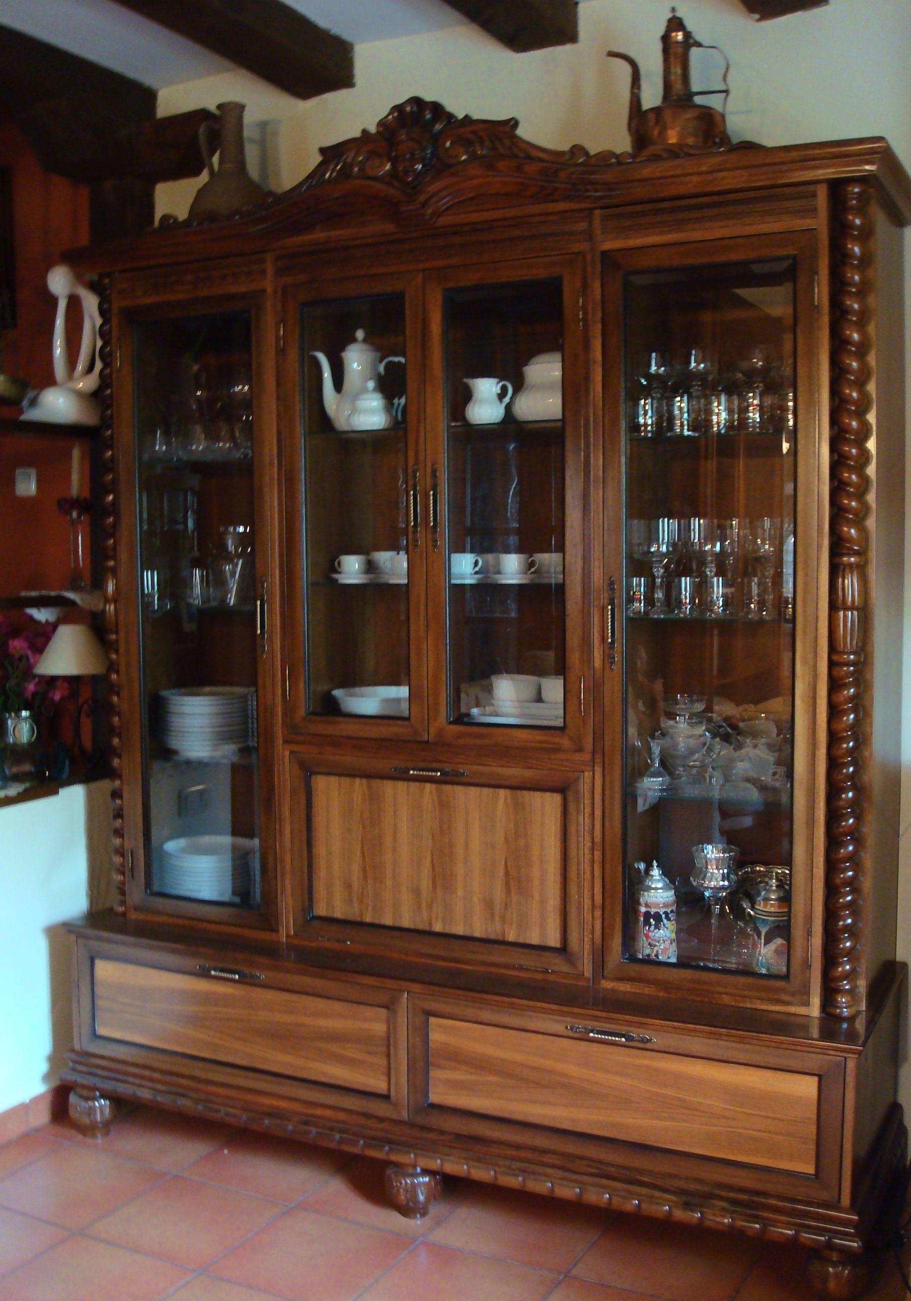 Antiguo armario ropero ahora es un armario vitrina mis restauraciones pinterest armario - Ropero antiguo ...