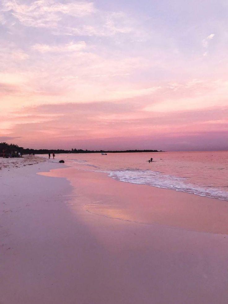 Pink sunset on Xpu-Ha Beach
