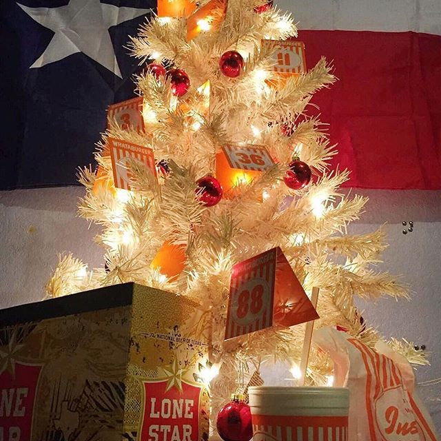 whatatree cred matthewbessner texas tx texmas christmas - Is Whataburger Open On Christmas