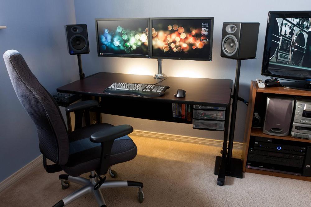 Clean DualMonitor Desk Computer desk setup, Minimalist