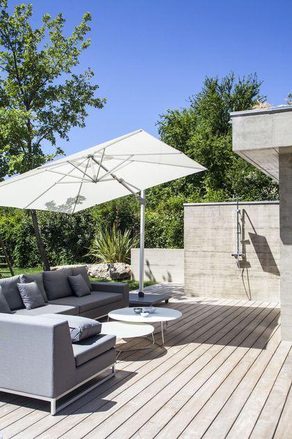 jardin aix en provence 3000 m2 paysagers contemporains maison de r ve par c t maison. Black Bedroom Furniture Sets. Home Design Ideas