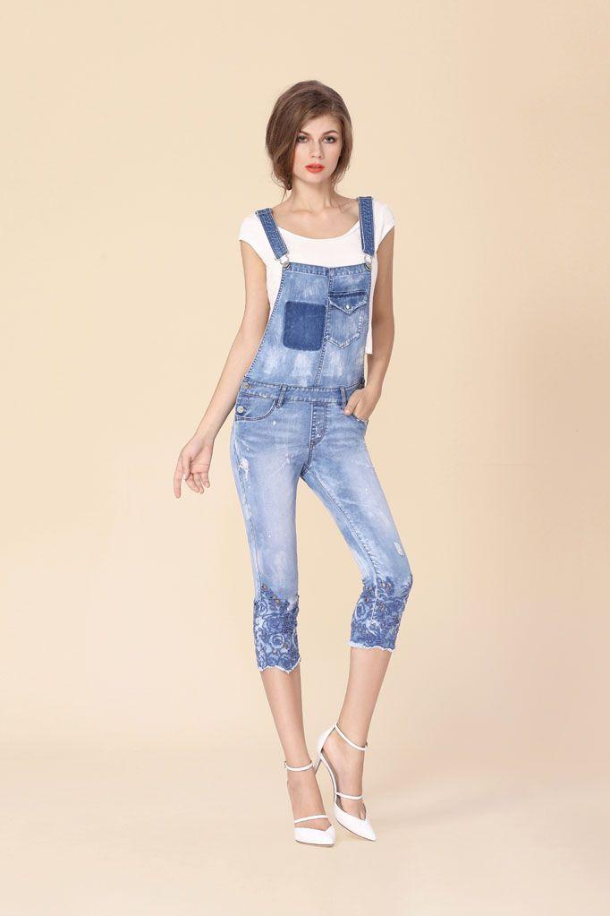 die besten 17 ideen zu jeans latzhose auf pinterest latzhosen latzhose kinder und jeans overall. Black Bedroom Furniture Sets. Home Design Ideas