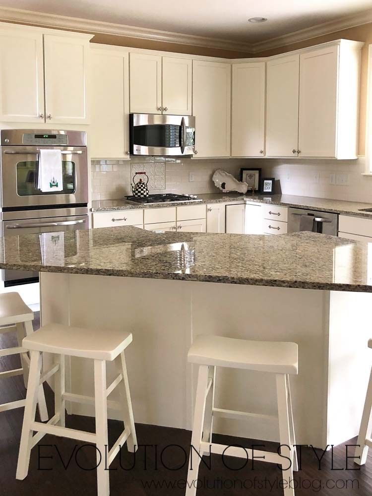 8 bliss tips and tricks kitchen remodel dark cabinets crown moldings kitchen remodel cost on kitchen remodel planner id=14773