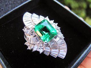 CLASSICS HAKOZAKI -Jewelry- / 肥前屋質店: 477:エメラルド 4ctup プラチナ リング #17