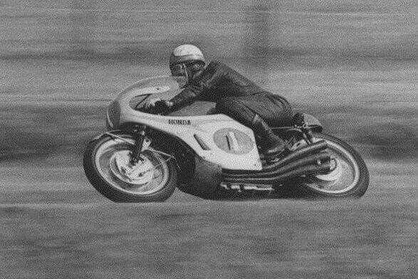 Mike Hailwood : Motorcycle World Champion. Honda 250cc : 1961 ...