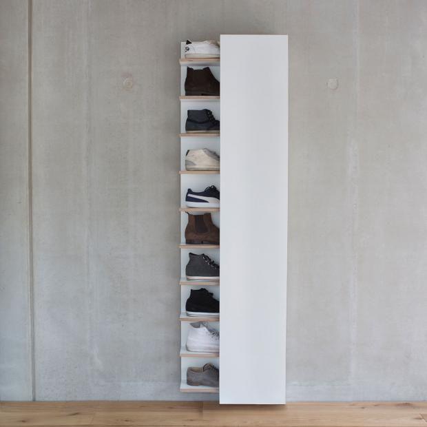 schuhschr nke und regale hoch aus metall in wei schuhschrank mono wall von marcpatricks. Black Bedroom Furniture Sets. Home Design Ideas
