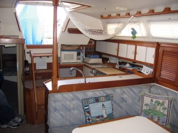 Wonderful Sailboatu0027s Interior   Iu0027d Like To Borrow The Hammock Storage Idea. Http
