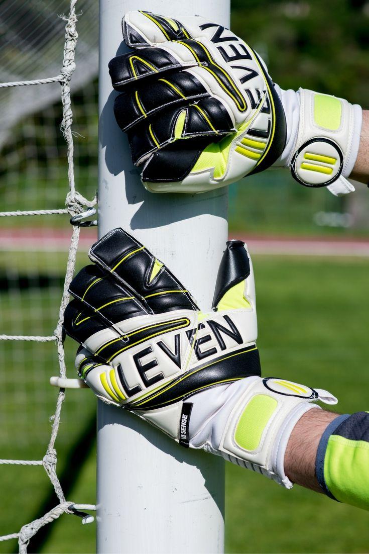 VI SENSE - The Hero's Job - IILEVEN  #theherosjob #gloves #goalkeeper