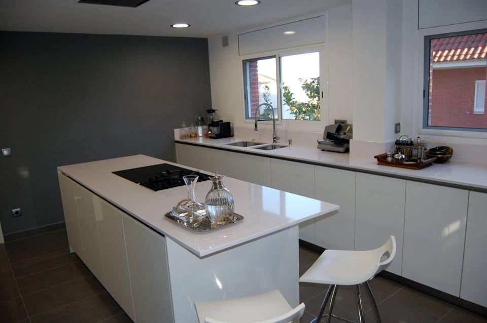Isla cocina moderna buscar con google cocinas con isla - Campanas de cocina modernas ...