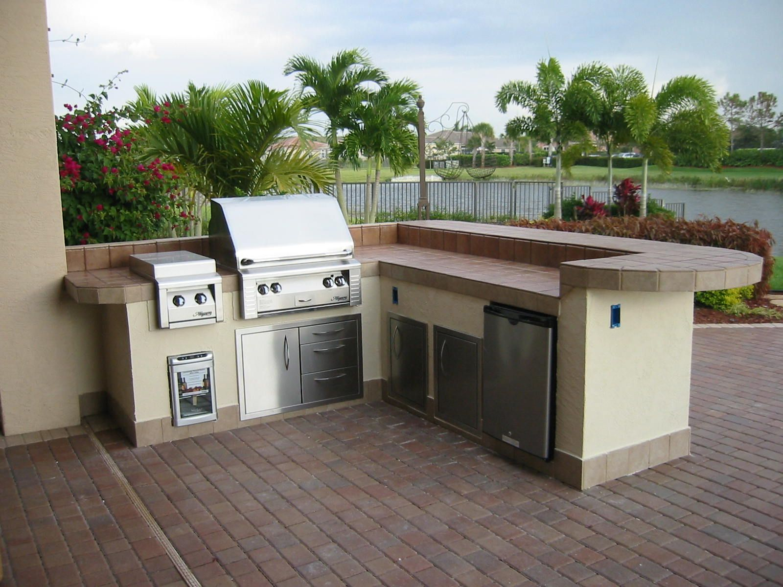 Outdoor Barbecue Kitchen Islands | Built In Grill Islands, Vented Ventless  Gas Log Fireplaces Outdoor